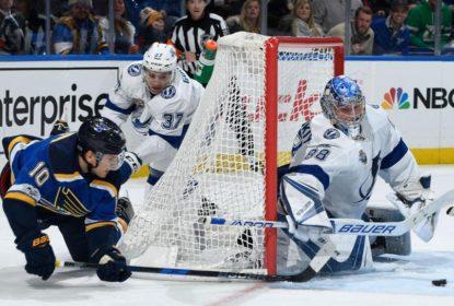 Vasilevskiy fecha o gol e Lightning vence Blues - The Playoffs