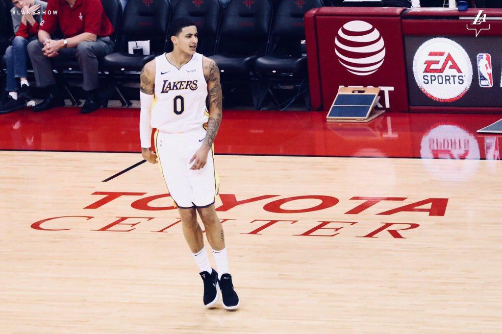 Em noite inspirada de Kyle Kuzma, Lakers superam Rockets ...