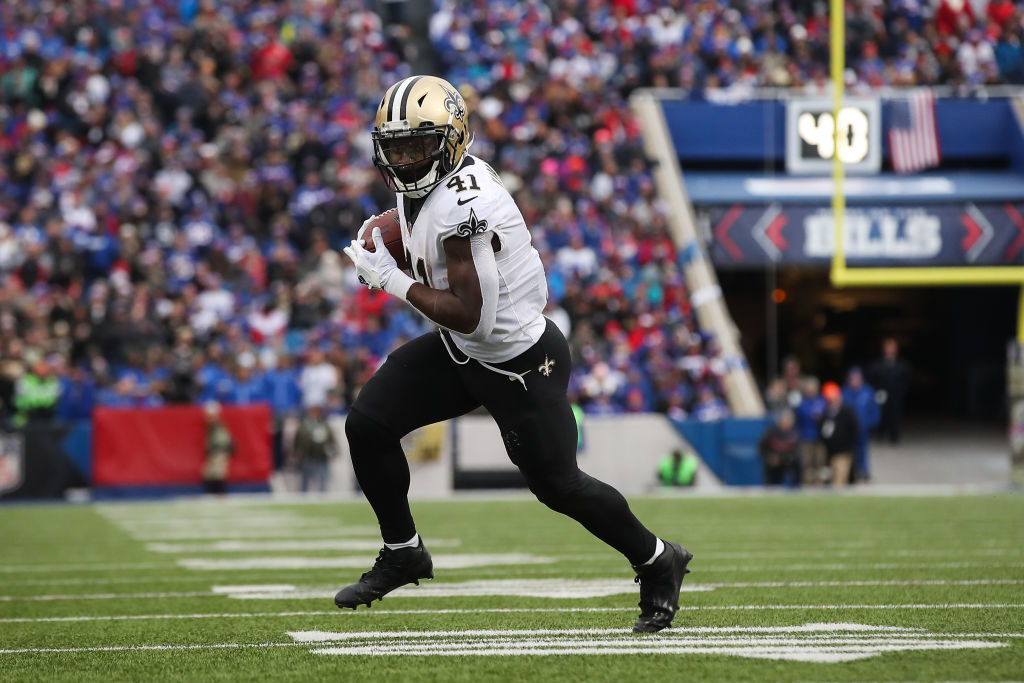 ORCHARD PARK, NY - NOVEMBER 12: Alvin Kamara #41 of the New Orleans Saints runs the ball during the fourth quarter against the Buffalo Bills on November 12, 2017 at New Era Field in Orchard Park, New York.