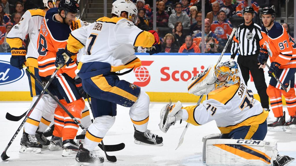 Juuse Saros fecha o gol e Predators goleiam Oilers