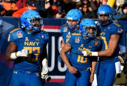 Sem completar um passe, Navy atropela Virginia e leva o Military Bowl - The Playoffs