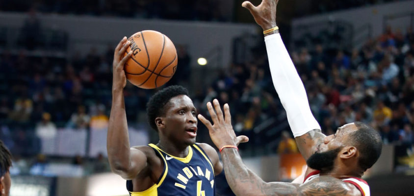 INDIANAPOLIS, IN - DECEMBER 08: Victor Oladipo #4 of the Indiana Pacers shoots the ball against the Cleveland Cavaliers at Bankers Life Fieldhouse on December 8, 2017 in Indianapolis, Indiana