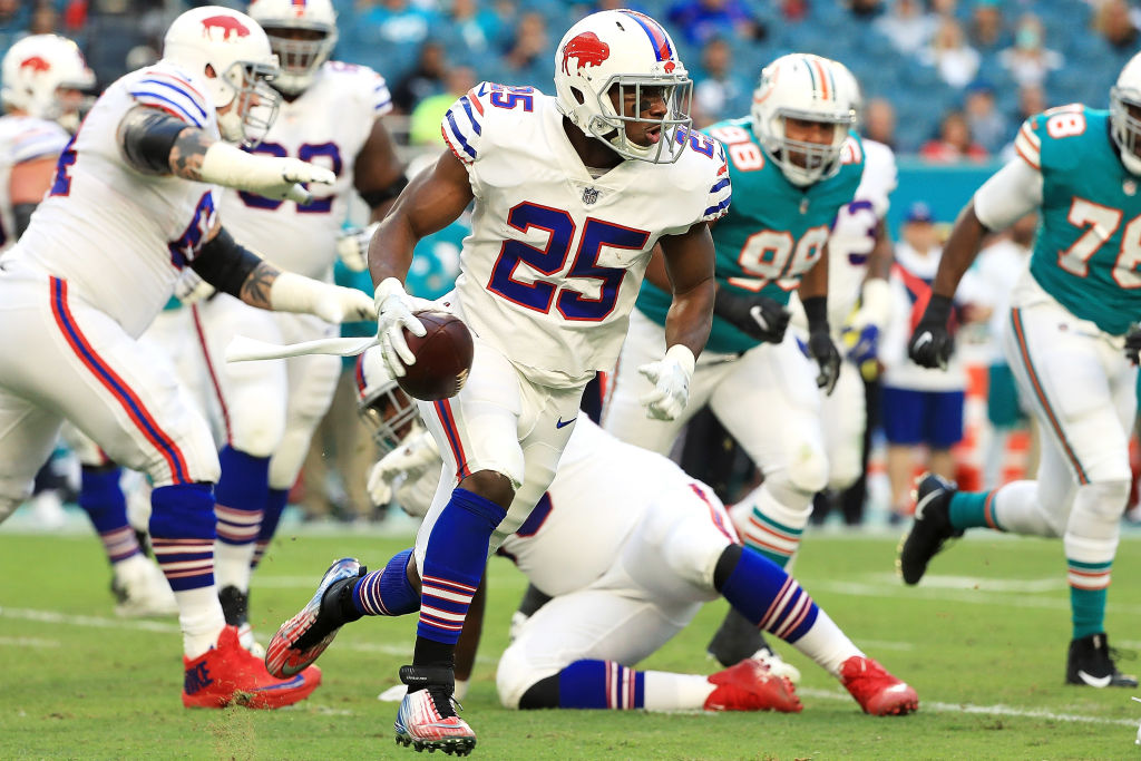 MIAMI GARDENS, FL - DECEMBER 31: LeSean McCoy #25 of the Buffalo Bills rushes during the second quarter against the Miami Dolphins at Hard Rock Stadium on December 31, 2017 in Miami Gardens, Florida.