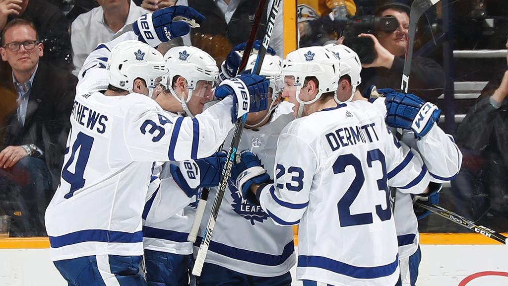 Matthews volta, Maple Leafs atropelam Predators e ficam perto de confirmar vaga nos playoffs - The Playoffs