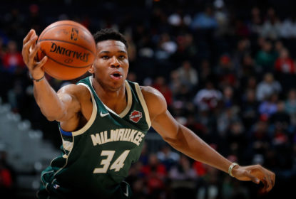 ATLANTA, GA - OCTOBER 29: Giannis Antetokounmpo #34 of the Milwaukee Bucks catches a pass against the Atlanta Hawks at Philips Arena on October 29, 2017 in Atlanta, Georgia