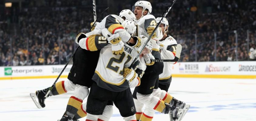 Vegas Golden Knights abre 3-0 contra o Los Angeles Kings