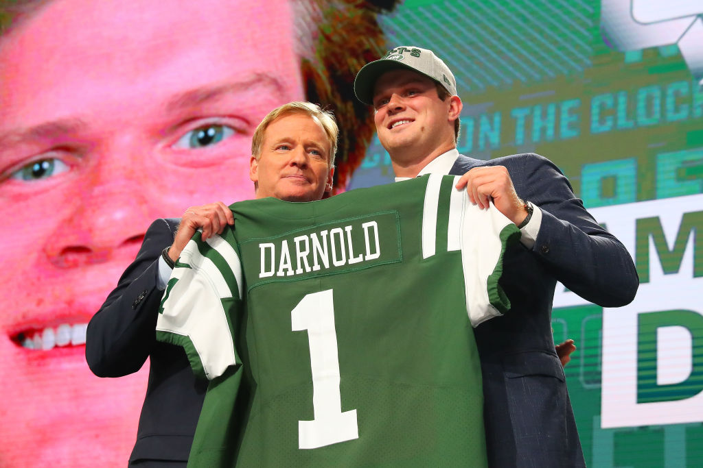 ARLINGTON, TX - APRIL 26: NFL Comissioner Roger Goodell poses for photos with Sam Darnold and jersey as the third overall pick by the New York Jets during the first round at the 2018 NFL Draft at AT&T Statium on April 26, 2018 at AT&T Stadium in Arlington Texas.