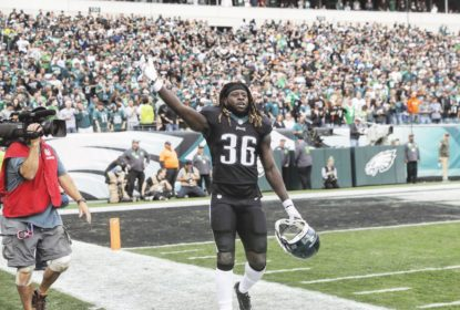 Jay Ajayi acerta com os Eagles e retorna à NFL - The Playoffs