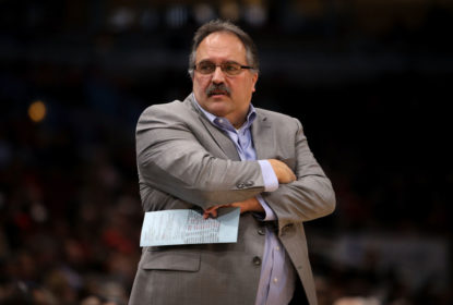 CHICAGO, IL - APRIL 11: Head coach Stan Van Gundy of the Detroit Pistons reacts in the first quarter against the Chicago Bulls at the United Center on April 11, 2018 in Chicago, Illinois