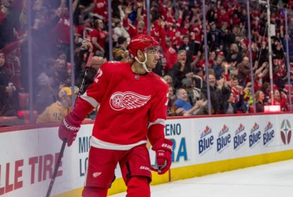 Andreas Athanasiou renova contrato com os Red Wings por mais dois anos - The Playoffs