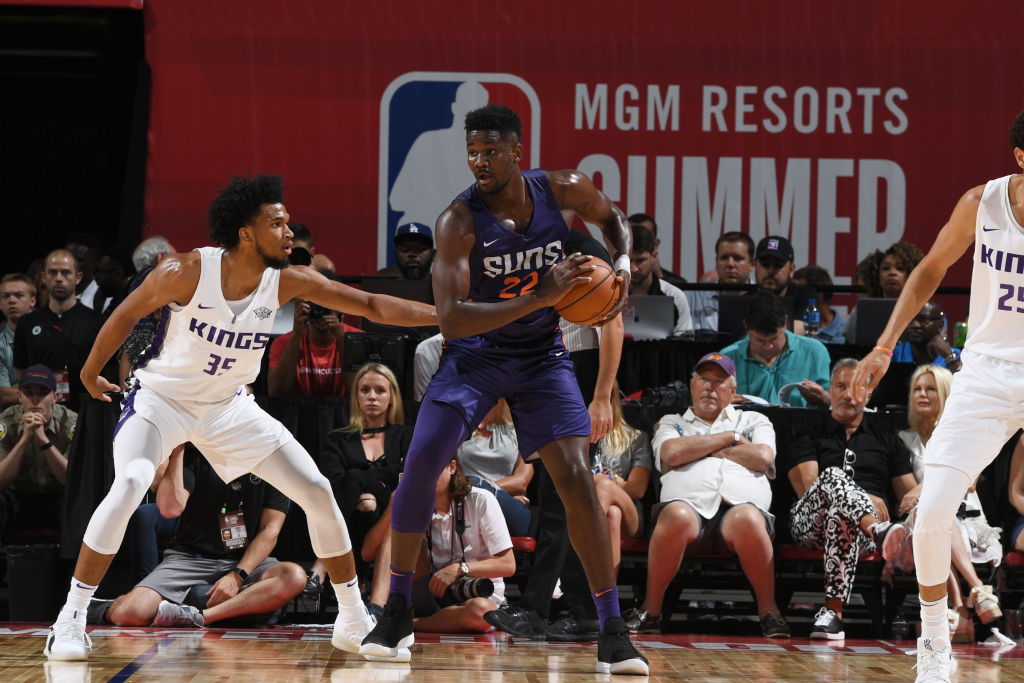 LAS VEGAS, NV - JULY 7: Deandre Ayton #22 of the Phoenix Suns handles the ball against the Sacramento Kings during the 2018 Las Vegas Summer League on July 7, 2018 at the Thomas & Mack Center in Las Vegas, Nevada