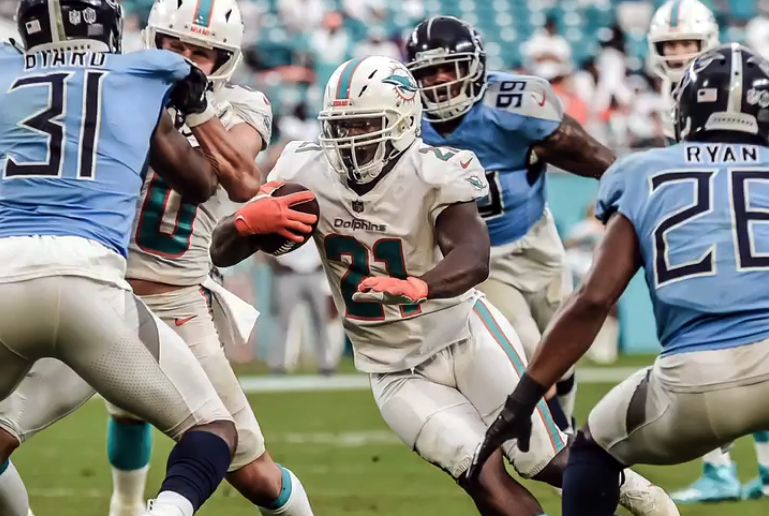 Miami Dolphins vence Tennessee Titans