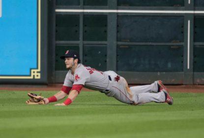 Andrew Benintendi salva, Red Sox vencem Astros e abrem 3-1 na série - The Playoffs