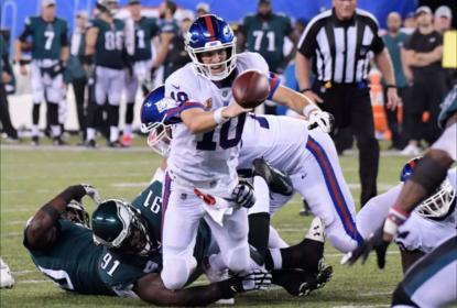 Eli Manning foi sacado quatro vezes em 27 tentativas da defesa dos Eagles na derrota dos Giants na Semana 6 da NFL 2018.