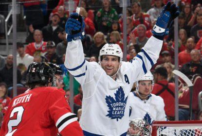 John Tavares marca três vezes e ajuda Leafs vencer Blackhawks - The Playoffs