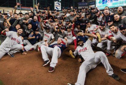 'Desfalcado', elenco do Boston Red Sox visita Casa Branca - The Playoffs