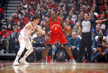 TORONTO, CANADA - OCTOBER 17: Kawhi Leonard #2 of the Toronto Raptors handles the ball against the Cleveland Cavaliers on October 17, 2018 at Scotiabank Arena in Toronto, Ontario, Canada