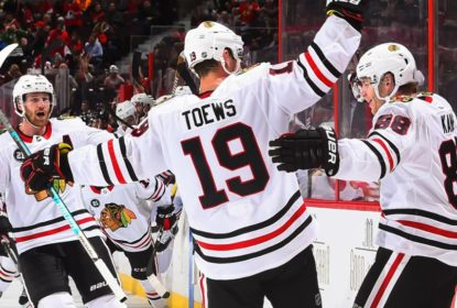 Em primeira partida da temporada, Blackhawks vencem Senators - The Playoffs