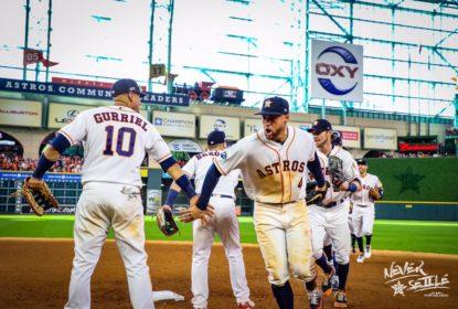 Com 4 home runs, Astros abrem 1 a 0 na série contra os Indians - The Playoffs
