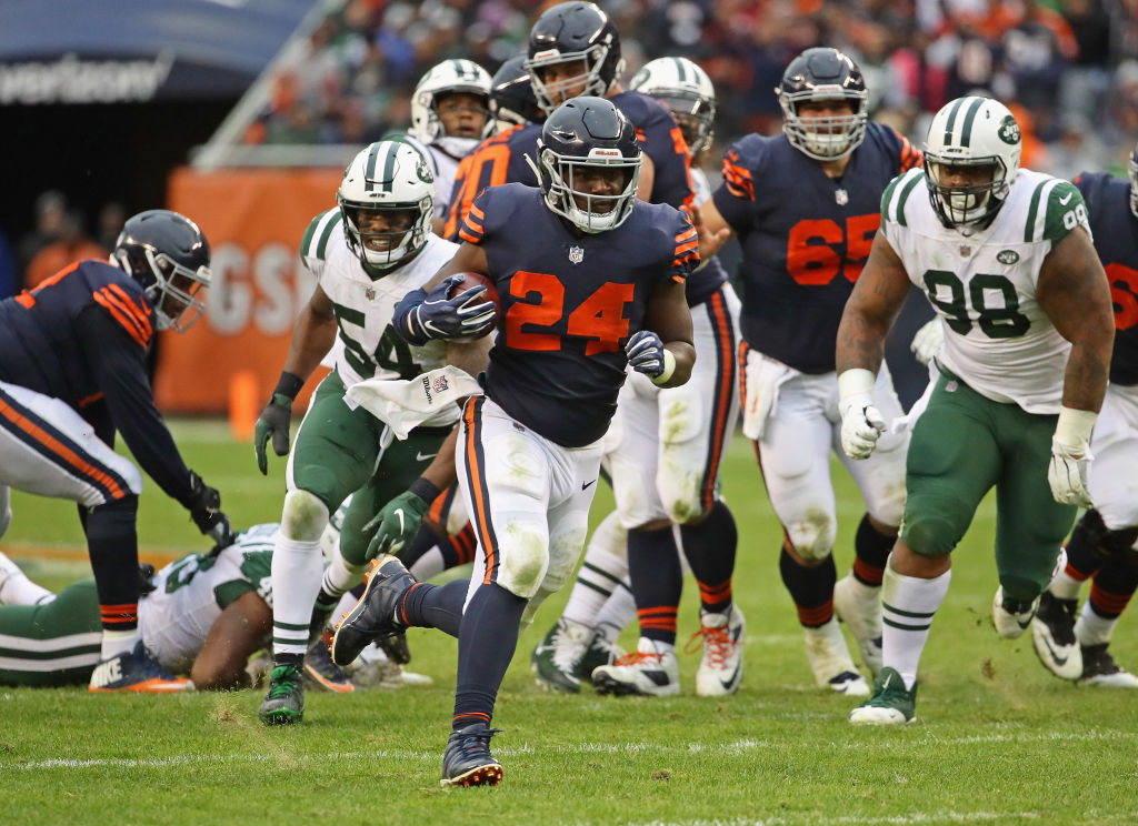 CHICAGO, IL - OCTOBER 28: Jordan Howard #24 of the Chicago Bears breaks a 24 yard first down run against the New York Jets at Soldier Field on October 28, 2018 in Chicago, Illinois. The Bears defeated the Jets 24-10