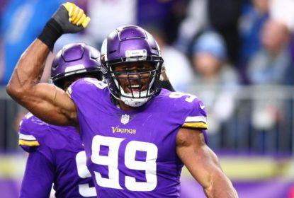 Danielle Hunter, dos Vikings, está fora da temporada com lesão no pescoço - The Playoffs