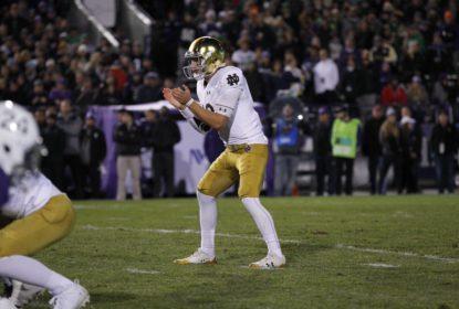 Saints selecionam quarterback Ian Book na quarta rodada do Draft - The Playoffs