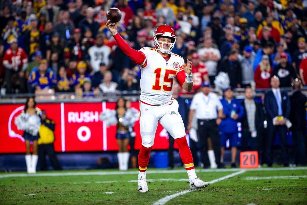 O signal caller dos Chiefs tem 3.628 jardas passadas e 36 touchdowns  anotados 55194afe362