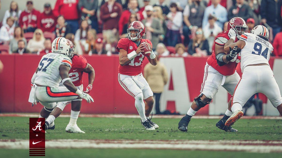 Com grande atuação, Alabama vence rival Auburn em tradicional Iron Bowl