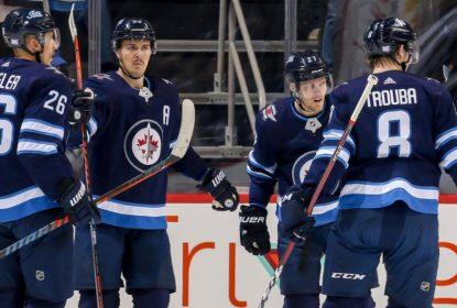 Com cinco pontos, Wheeler brilha em vitória dos Jets contra Avalanche - The Playoffs
