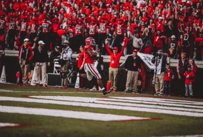 Com grande jogo de Justin Fields, Georgia esmaga UMass - The Playoffs