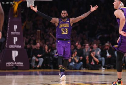 LeBron James enche a bola de Lonzo Ball após vitória do Los Angeles Lakers