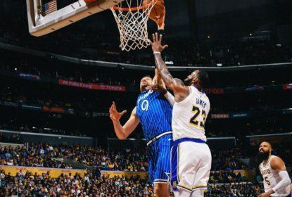Vucevic lidera vitória do Magic sobre os Lakers