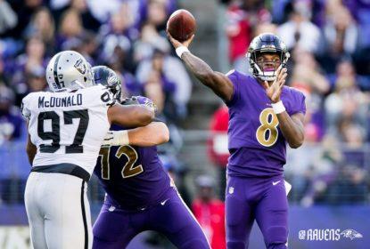 John Harbaugh garante que Lamar Jackson estará 'OK' para próxima partida dos Ravens - The Playoffs