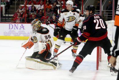 Ducks vencem Hurricanes no OT e chegam a quinta vitória em seis jogos - The Playoffs