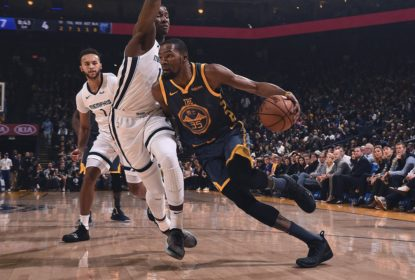 Curry chega a 15.000 pontos e Warriors vencem os Grizzlies - The Playoffs