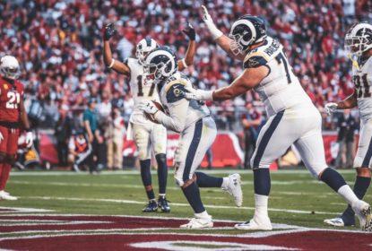 CJ Anderson anota TD durante vitória do Los Angeles Rams sobre o Arizona Cardinals, em Glendale, na Semana 16 da NFL 2018