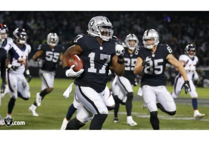 Raiders dão presente de Natal para torcida e vencem os Broncos em casa - The Playoffs