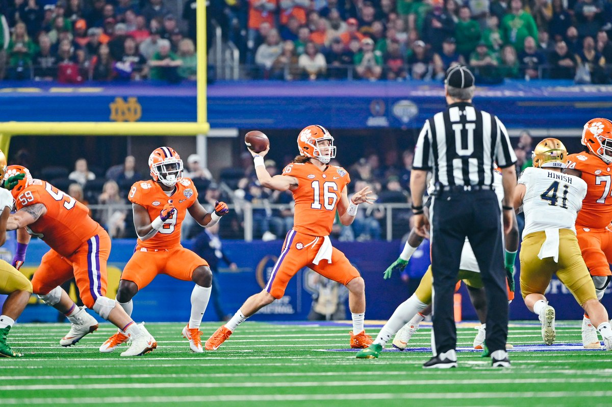 Clemson Tigers domina Notre Dame Fighting Irish no Cotton Bowl e avança à final do College Football Playoffs