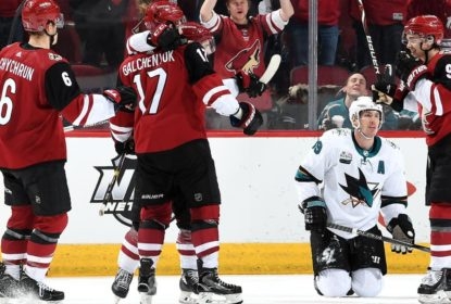 Sharks tropeçam para os Coyotes e perdem chande de assumir liderança - The Playoffs