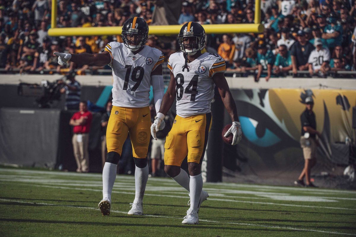 Wide receivers do Pittsburtgh Steelers JuJu Smith-Schuster e Antonio Brown