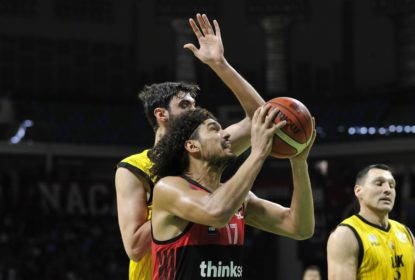 Americanos decidem e AEK vence Flamengo na final da Copa Intercontinental - The Playoffs