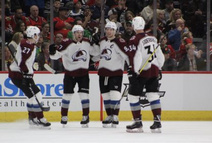 Avalanche bate Blackhawks e conquista terceira vitória consecutiva - The Playoffs