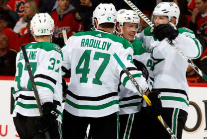 Stars vencem Flames e continuam liderando o wild card - The Playoffs