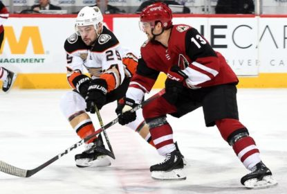 Hinostroza anota primeiro hat trick na NHL e Coyotes goleiam Ducks
