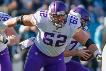 Nick Easton assina contrato de quatro anos com o New Orleans Saints