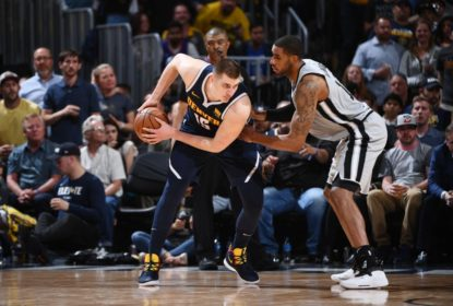 Com show de Jokic, Nuggets superam os Spurs e fecham a série em 4 a 3 - The Playoffs