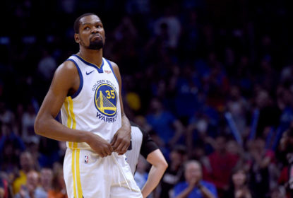 LOS ANGELES, CALIFORNIA - APRIL 26: Kevin Durant #35 of the Golden State Warriors reacts as he leaves the game late in the fourth quarter in a 129-110 win over the LA Clippers during Game Six of Round One of the 2019 NBA Playoffs at Staples Center on April 26, 2019 in Los Angeles, California.