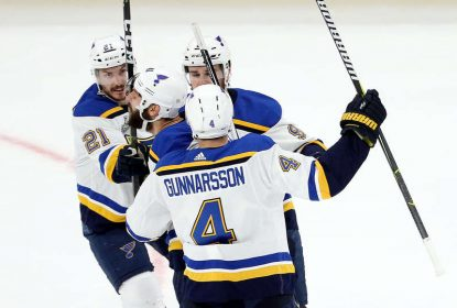 Blues vencem Bruins fora de casa e empatam série na SC - The Playoffs