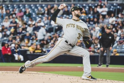 Com muitas corridas no fim, Pirates batem os Padres fora de casa - The Playoffs