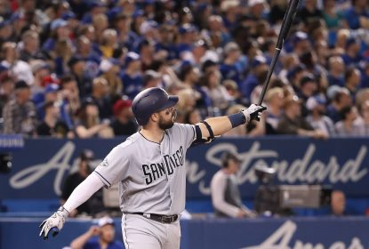Padres quebram recorde de home runs no Canadá e vencem Blue Jays